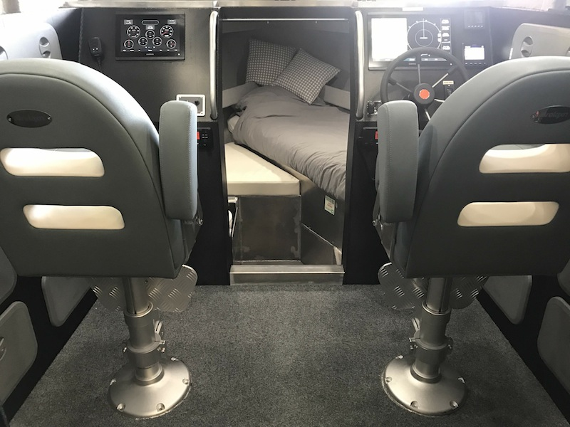 Btb marine 750ulr interior3